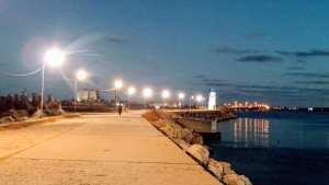 Elena Stroe: Culorile nopții, <br> pe digul din Portul turistic Mangalia <br> [galerie FOTO]