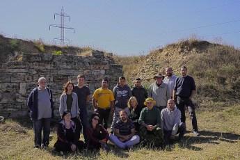 movila-documaci-echipa-arheologi
