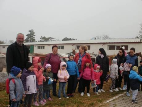 copii-din-județul-Constanța-au-vizitat-Herghelia-Mangalia-01