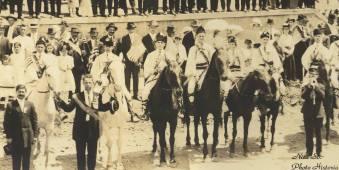 12-Detaliu - călăreţi în straie populare româneşti (juni...) - 1917 - Photo Historia