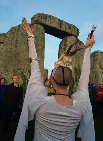 Happy Solstice Solstiţiul de iarnă sărbătorit la Stonehenge (6)