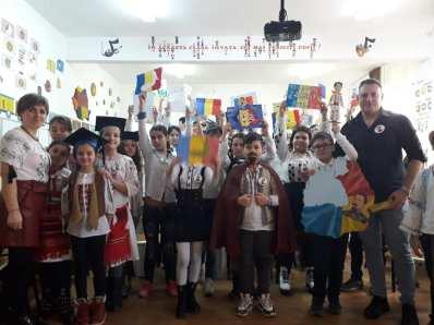Unirea Principatelor Române sărbătorită de elevii Școlii Gimnaziale Sf Andrei din Mangalia-01