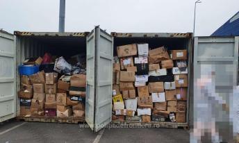 Containere încărcate cu deșeuri, depistate în Portul Constanţa Sud Agigea (1)