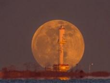 Eduard Armeanu-Cand luna se grabeste