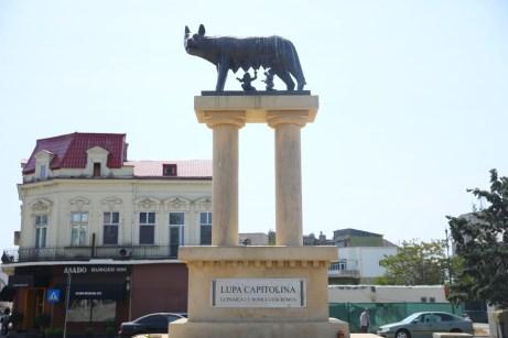 Lupa Capitolina Constanța - Romulus și Remus sunt împreună din nou1
