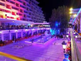 Hotelul Panoramic Olimp pe înserat-foto-Elena Stroe-21