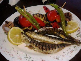 Restaurant_Sat_Pescaresc_Venus-32. Chefal cu legume la gratar