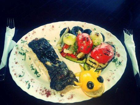 Restaurant_Sat_Pescaresc_Venus-33. calcan-cu-legume-la-cuptor