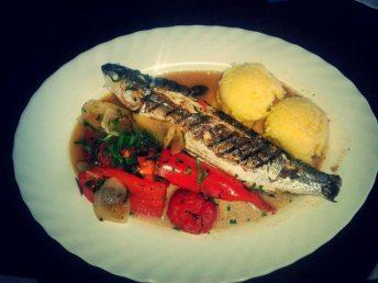 Restaurant_Sat_Pescaresc_Venus-36. Saramura de Chefal