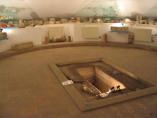 muzeul-de-arheologie-callatis-mormantul cu papirus