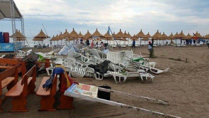 ravagii-furtuna-mangalia-11-07-2014-foto-Andreea-Dima-09 (Small)