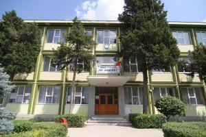 scoala-sf-andrei-mangalia