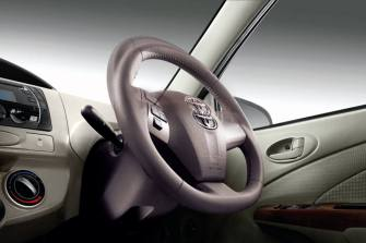 Toyota-Etios4