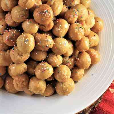 Sicilian Pignolata