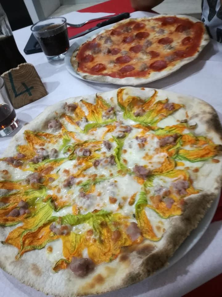 La Pizzaccia: Pizze 1