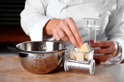 risotto cacio, pepe e artemisia