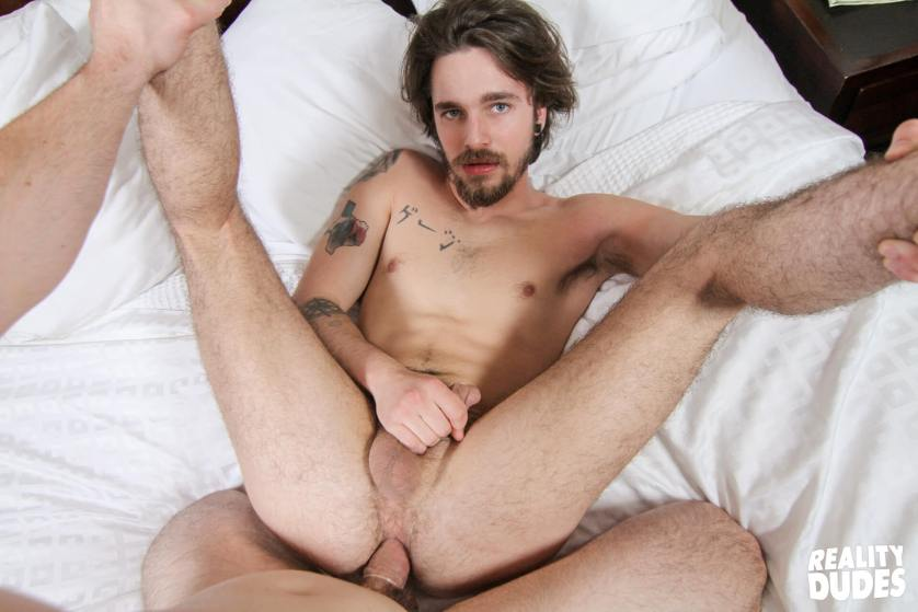 reality-dudes-str8-chaser-gauge-gay-porn-blog-image-42