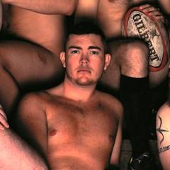 Jugadores de rugby se desnudan para festejar lo positivo del cuerpo masculino