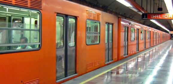 Los secretos hot del último vagón del metro en CDMX
