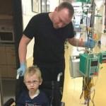 Colegas de trabalho fazem 3.300 horas extras para ajudar um pai cuidar do filho com câncer