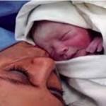 Uma mãe volta para casa com o recém-nascido, mas tem certeza que não é o seu filho: depois de alguns meses ela descobre a verdade