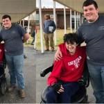 Rapaz economiza durante 2 anos e compra cadeira de rodas para amigo