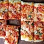 Aprenda a fazer esta pizza usando pão de forma