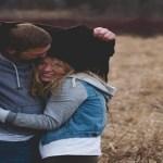 Mulheres são mais sensíveis e precisam de carinho. Porque é difícil os homens entenderem isso?