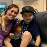 Enfermeira doa parte do fígado para salvar menino doente