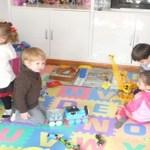 Os filhos precisam de brinquedos, não de tablets e celulares