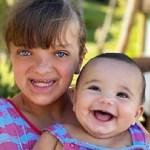"""Ticiane Pinheiro posta foto das duas filhas com roupas combinando: """"Minhas princesas"""""""