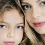 Foto de Sheila Melo ao lado da filha! A semelhança é incrível!