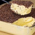 Aprenda fazer a melhor receita de mousse de maracujá que já fiz, sem leite condensado e gelatina.