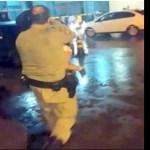 Policial militar salva criança que estava engasgado com leite