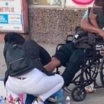 Mesmo cansada de um dia longo de trabalho, enfermeira resolveu cuidar de feridas de morador de rua