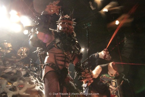 Oderus with two decapitated charecters.