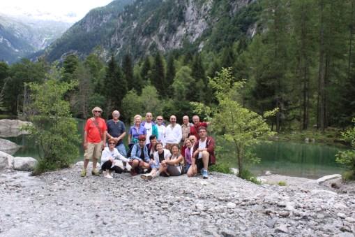 Foto di gruppo al laghetto