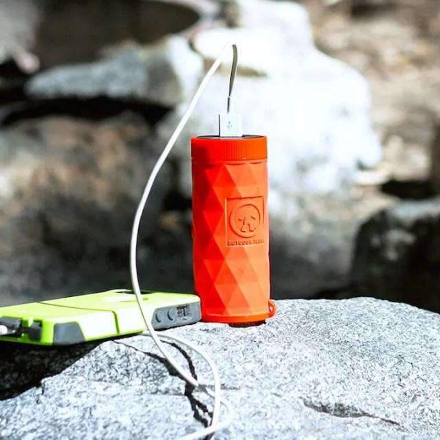 防水でスマホ充電も!多機能Bluetoothスピーカー「BUCKSHOT PRO」が凄い!