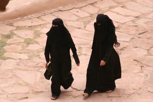 Både Ayan og Leila kom i flere diskusjoner med skolen om bruk av niqab. Foto: Buen Viajero/Flickr
