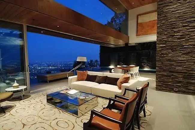 The-Hollywood-Hills-6