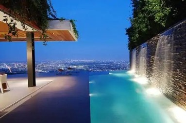 The-Hollywood-Hills-8