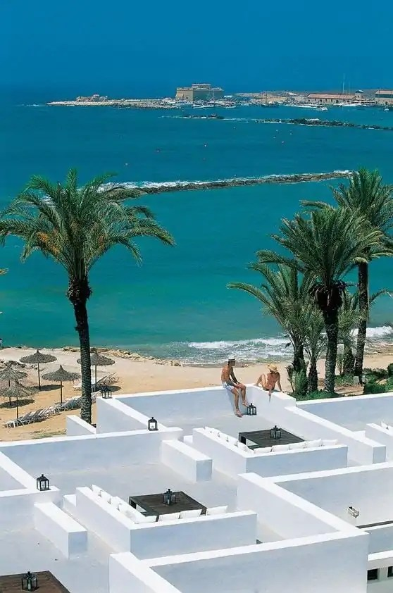 het-almyra-hotel-in-cyprus-1