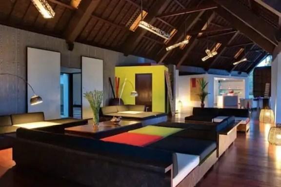 Tropical-Indonesia-Villa-Sapi-by-David-Lombardi-12