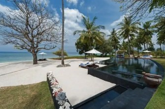 Tropical-Indonesia-Villa-Sapi-by-David-Lombardi-18