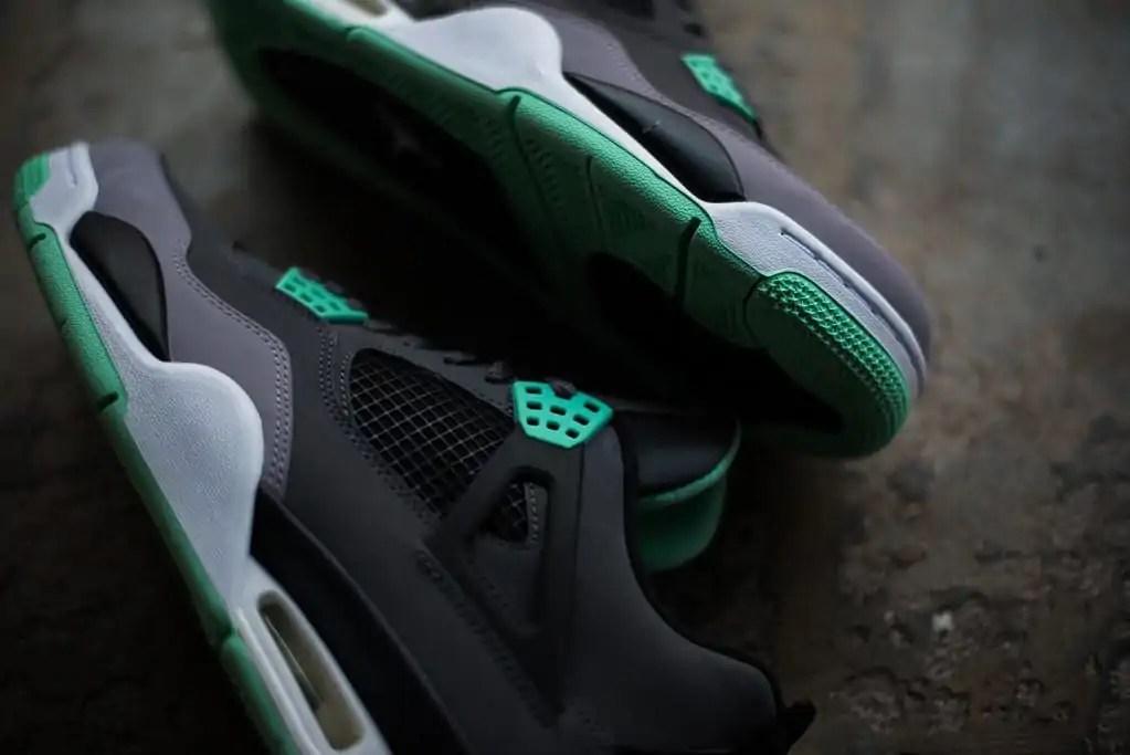 nike-air-jordan-4-retro-green-glow-5