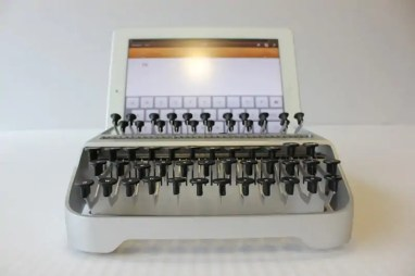 typemachine-ipad-itypewriter-2