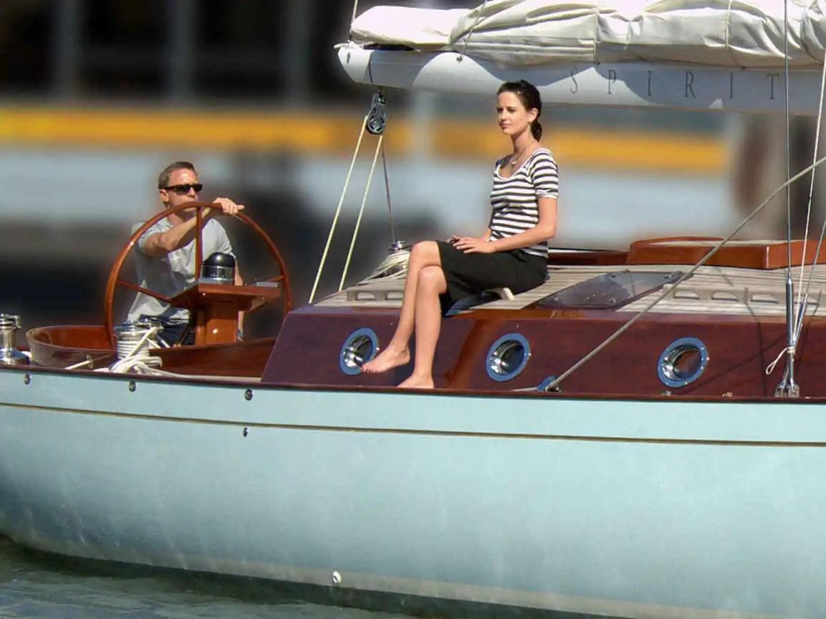 James bond Yacht