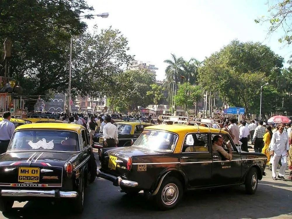black-yellow-fiat-taxi