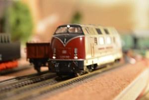 Maninas Lokwerk Modellbahn Reparatur V200