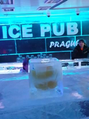 Ice Pub Praag Manisfaction